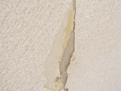 長野市内装壁紙クロスの剥がれ