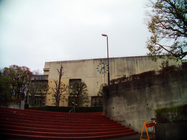 アスベスト(石綿)は2006年以前の建物に利用されている可能性があります