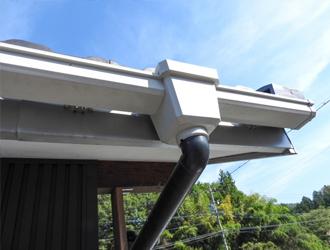 屋根材や雨どいのメンテナンス時期について