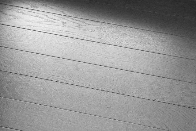 長野市フローリングの傷・染みの補修