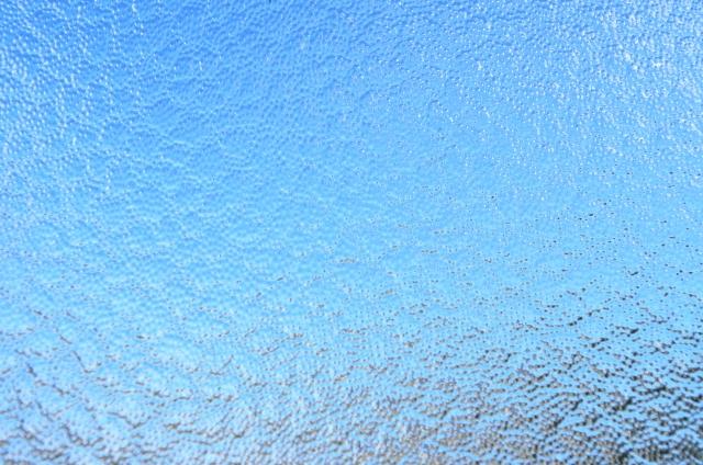 松本市型板ガラスへの飛散防止フィルム施工